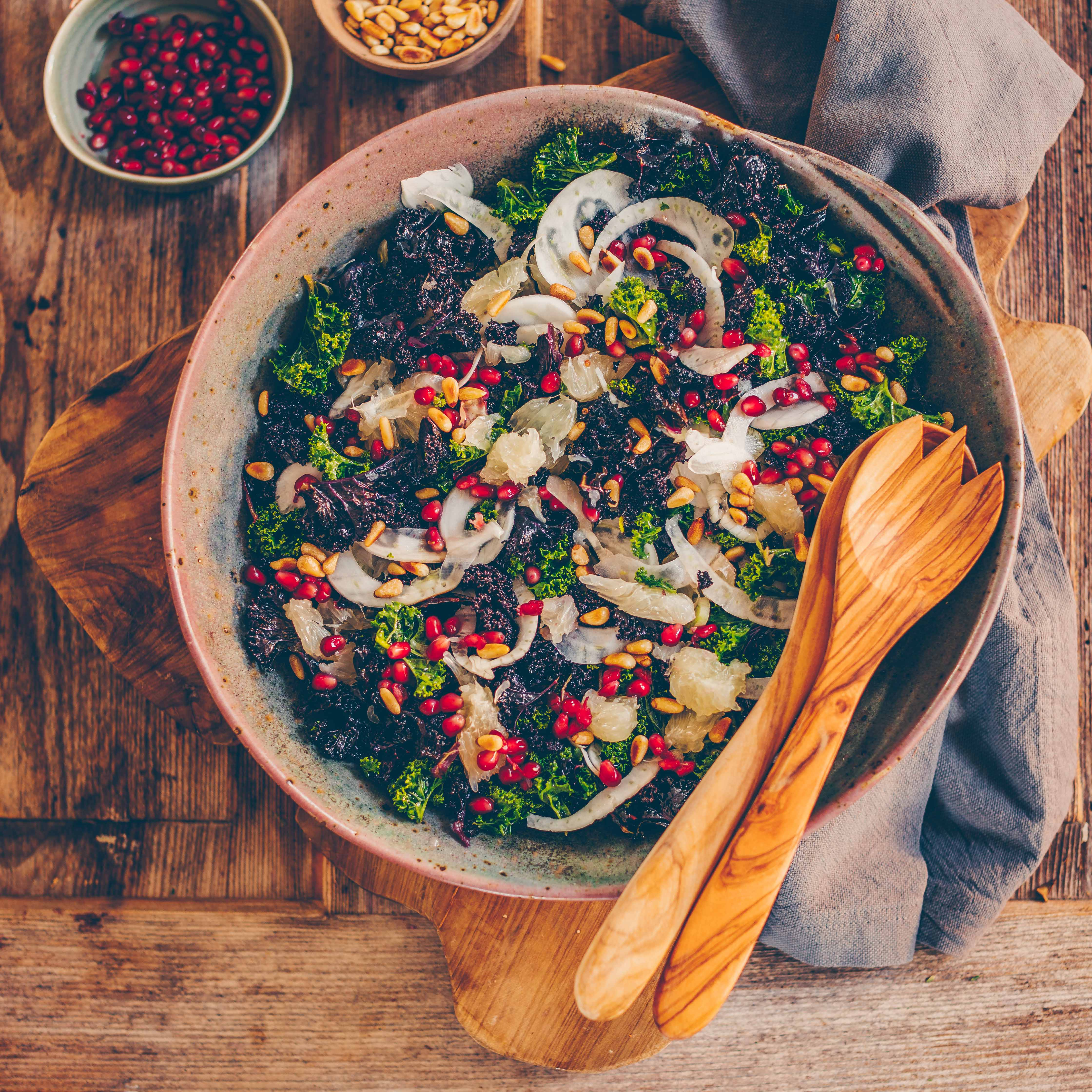 Kale salad with pomelo, fennel and pomegranate