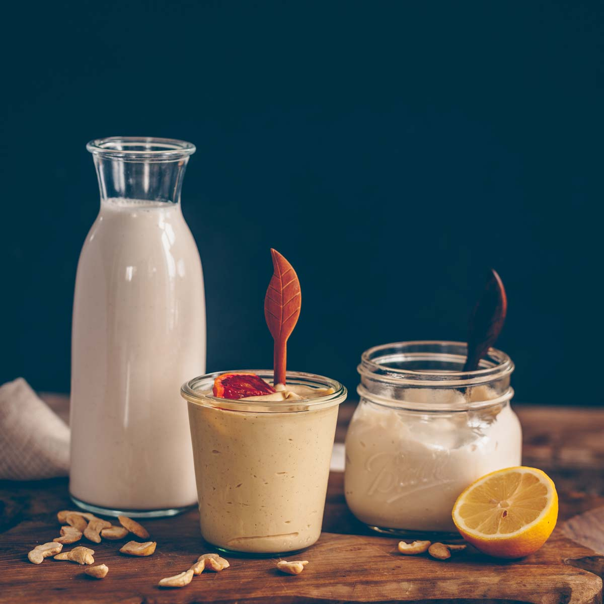 3 basic recipes with cashews – milk, sweet cream and sour cream