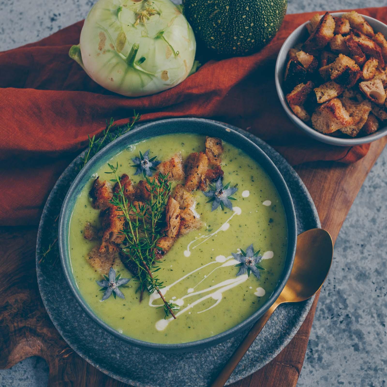 Zucchini Kohlrabi Suppe