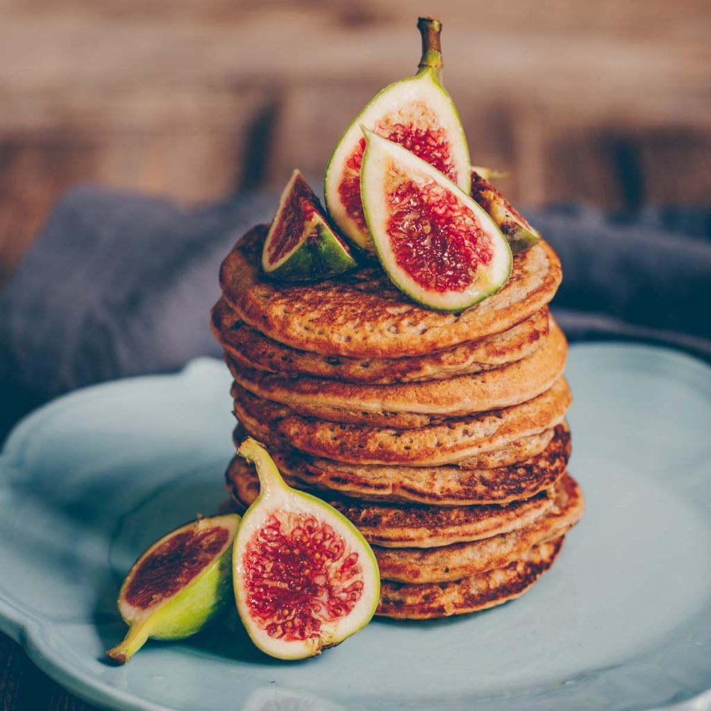 Chia Kokosnuss Pancakes mit Feigen