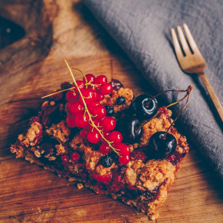Very berry crumble tarte