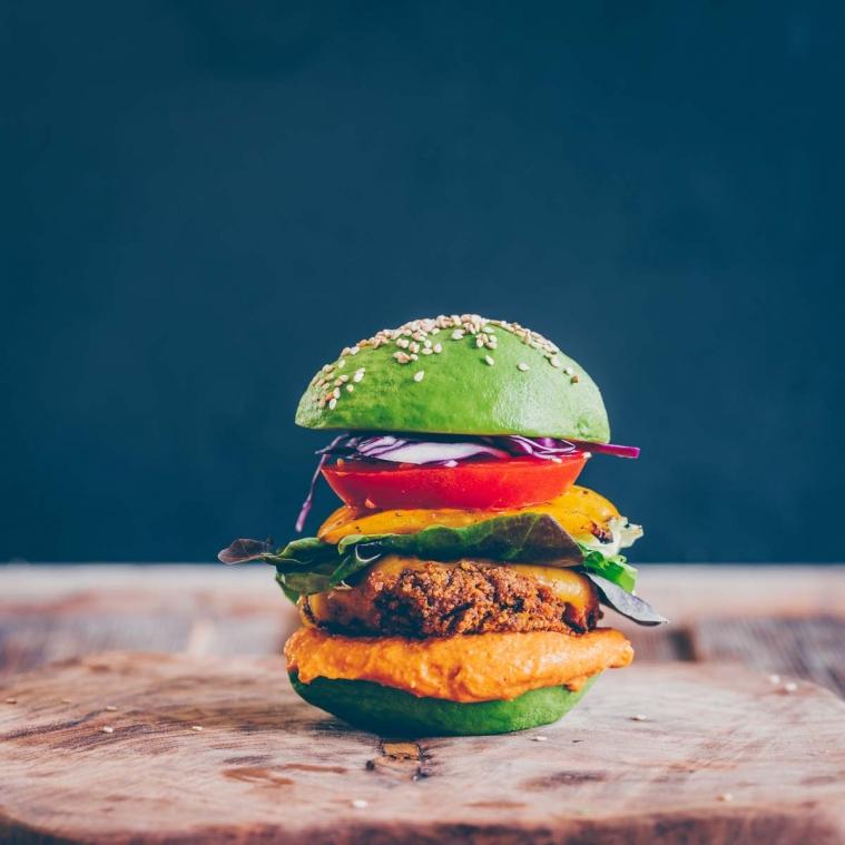 Burger-Party und ein Gewinnspiel
