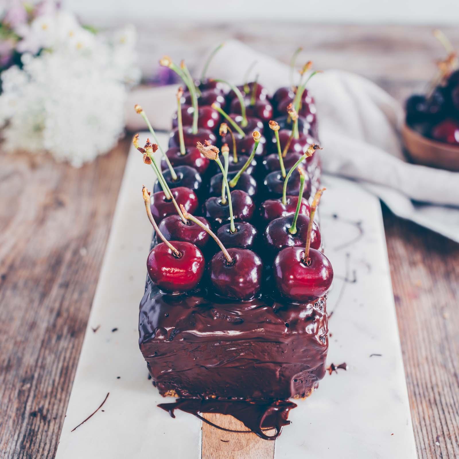Zucchini chocolate cake vegan