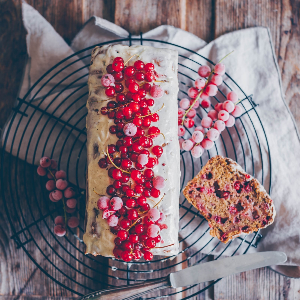 The most delicious red currant cake