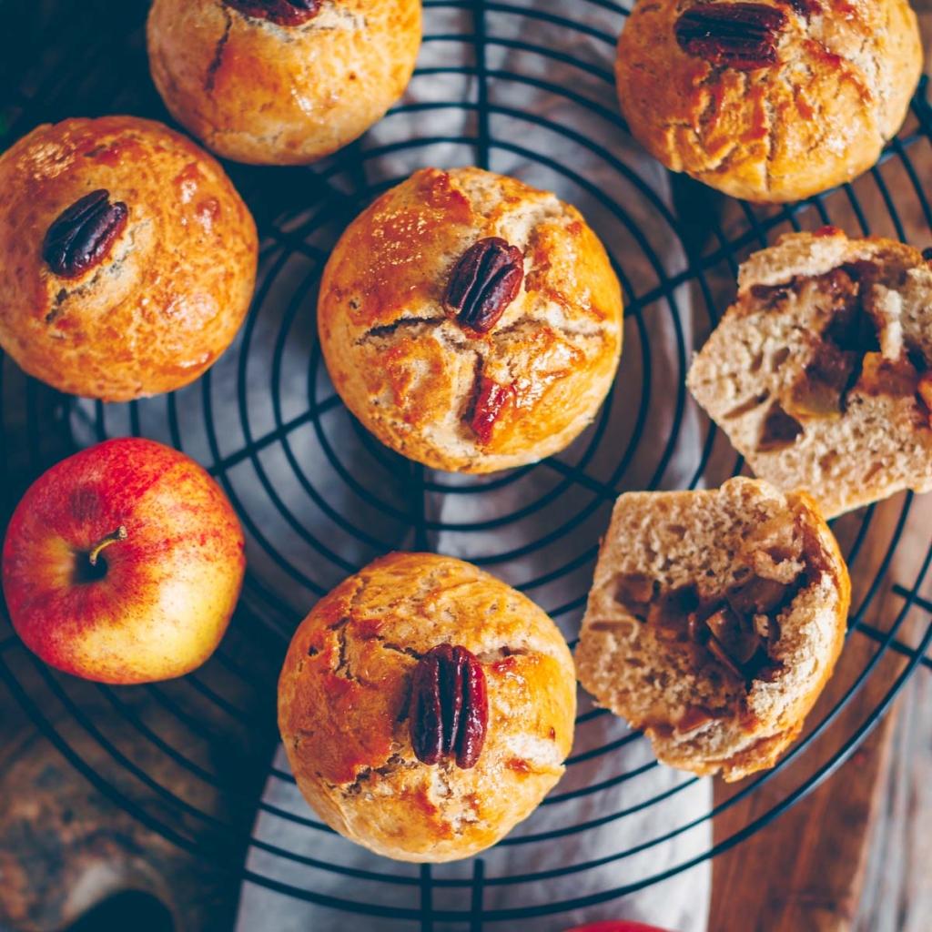 Brioche with apple cinnamon filling