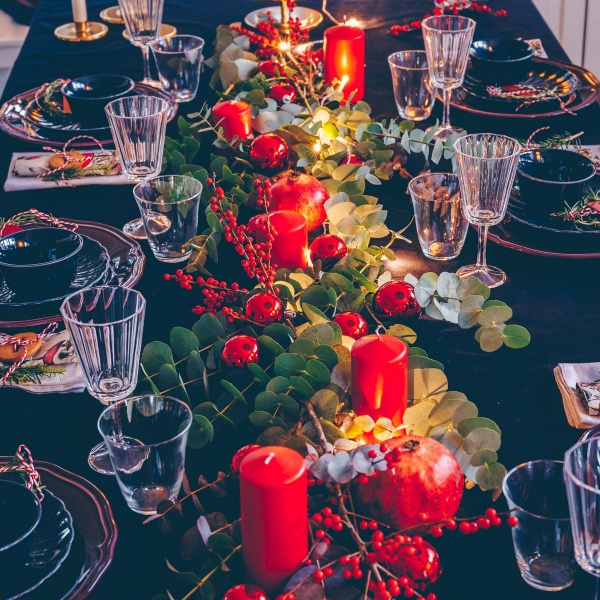 Festive Christmas table and easy decorating ideas