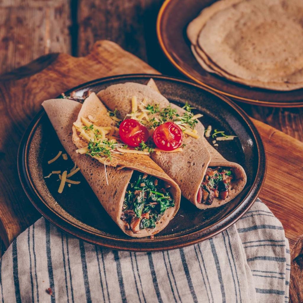 Buchweizenpfannkuchen mit Spinat