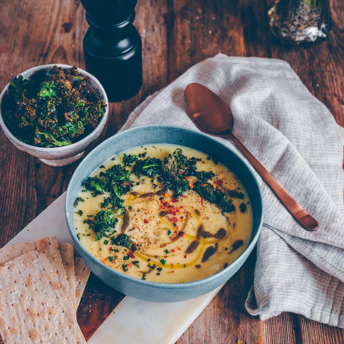 Pastinaken Suppe mit weissen Bohnen