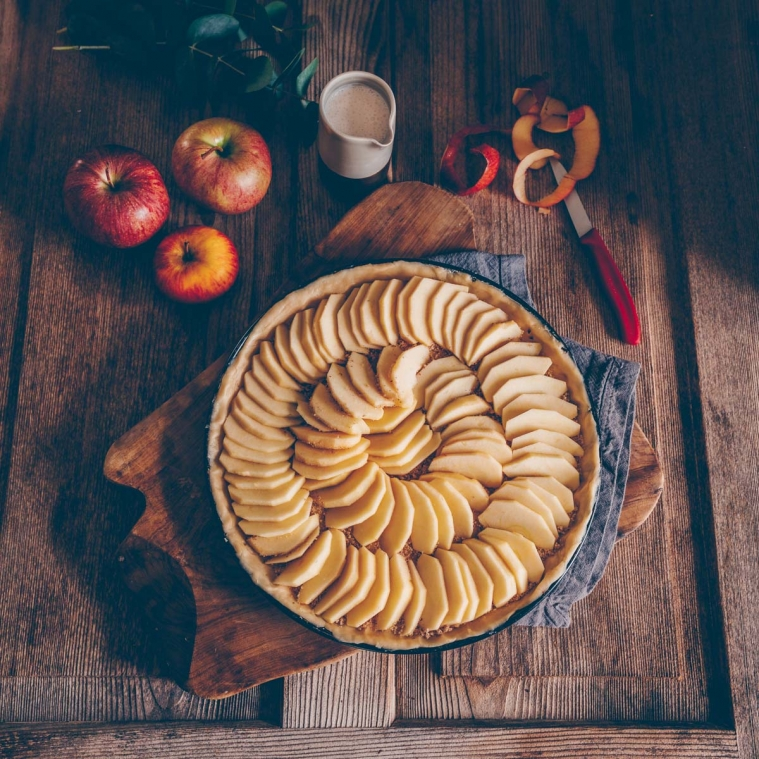 Vegan Swiss Apple Quiche / Pie