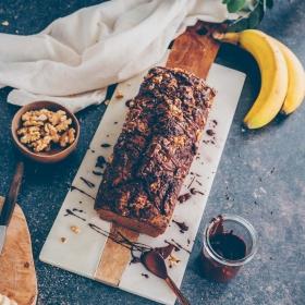 Bananenbrot mit Walnüssen und Schokolade