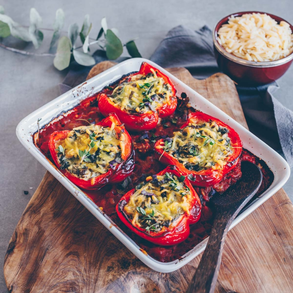 Stuffed peppers with spinach