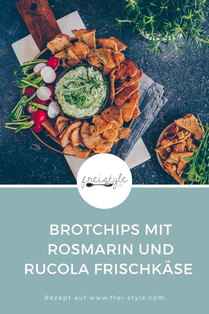 Brotchips mit Rosmarin und Rucola Frischkäse