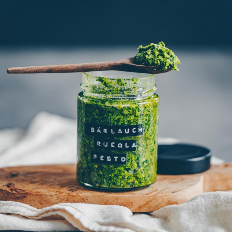 Wild garlic-Arugula pesto with crispy potatoes