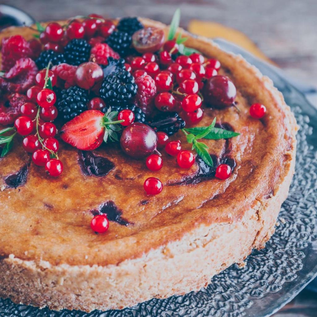 Vegan cheesecake with raspberries