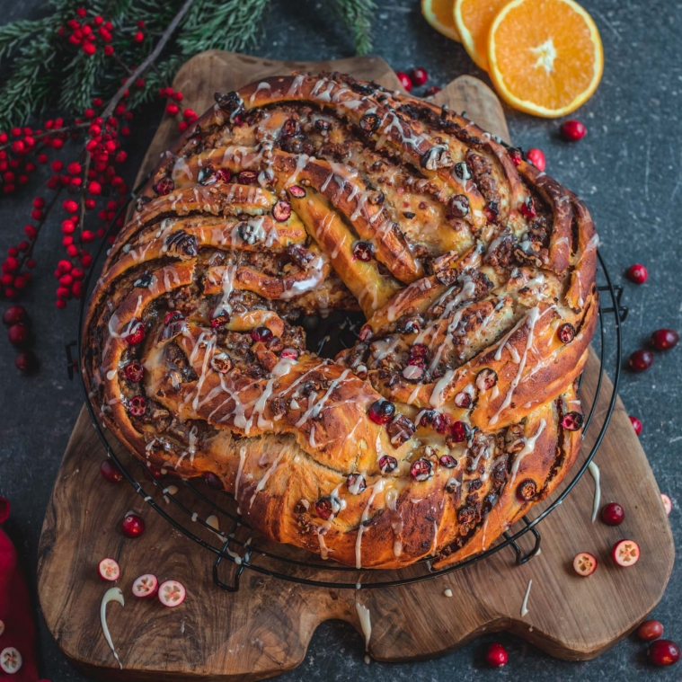 Cranberry orange yeast bun