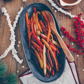 Veganes Weihnachtsmenü: Möhren aus dem Ofen mit Ahornsirup