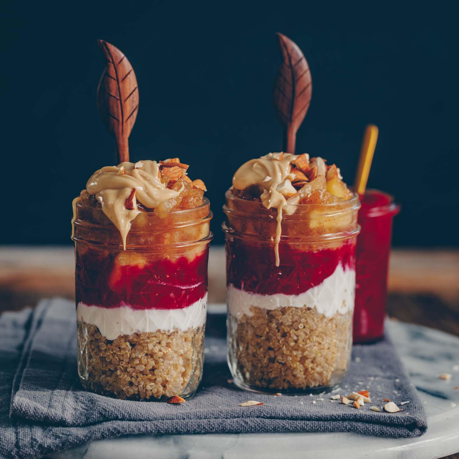 Süsser Quinoa mit Apfelkompott