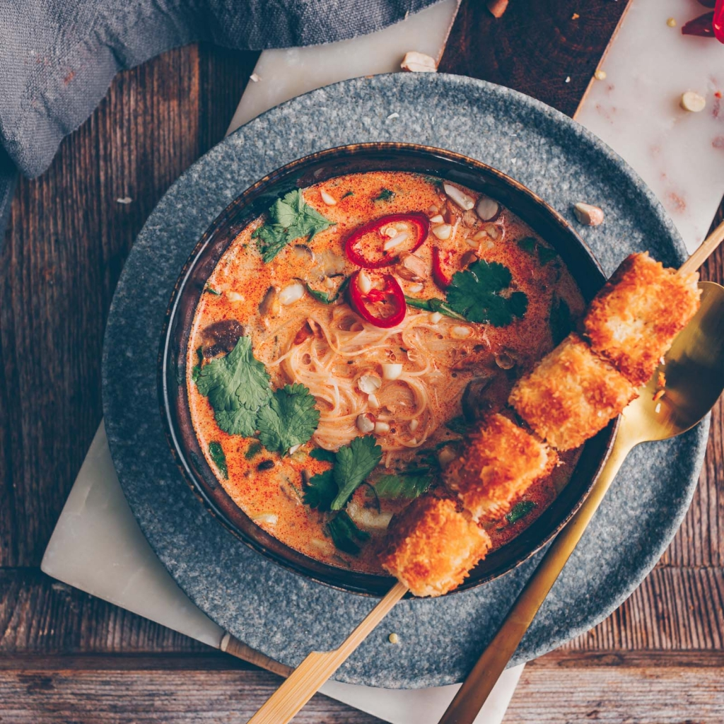Red curry soup with coconut tofu