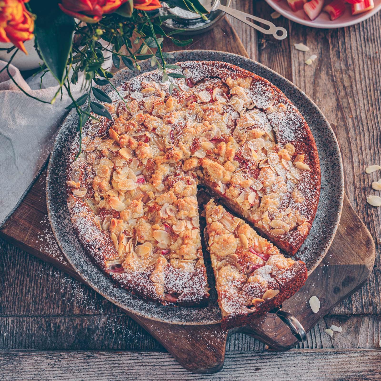 veganer Rhabarber Mandel Kuchen