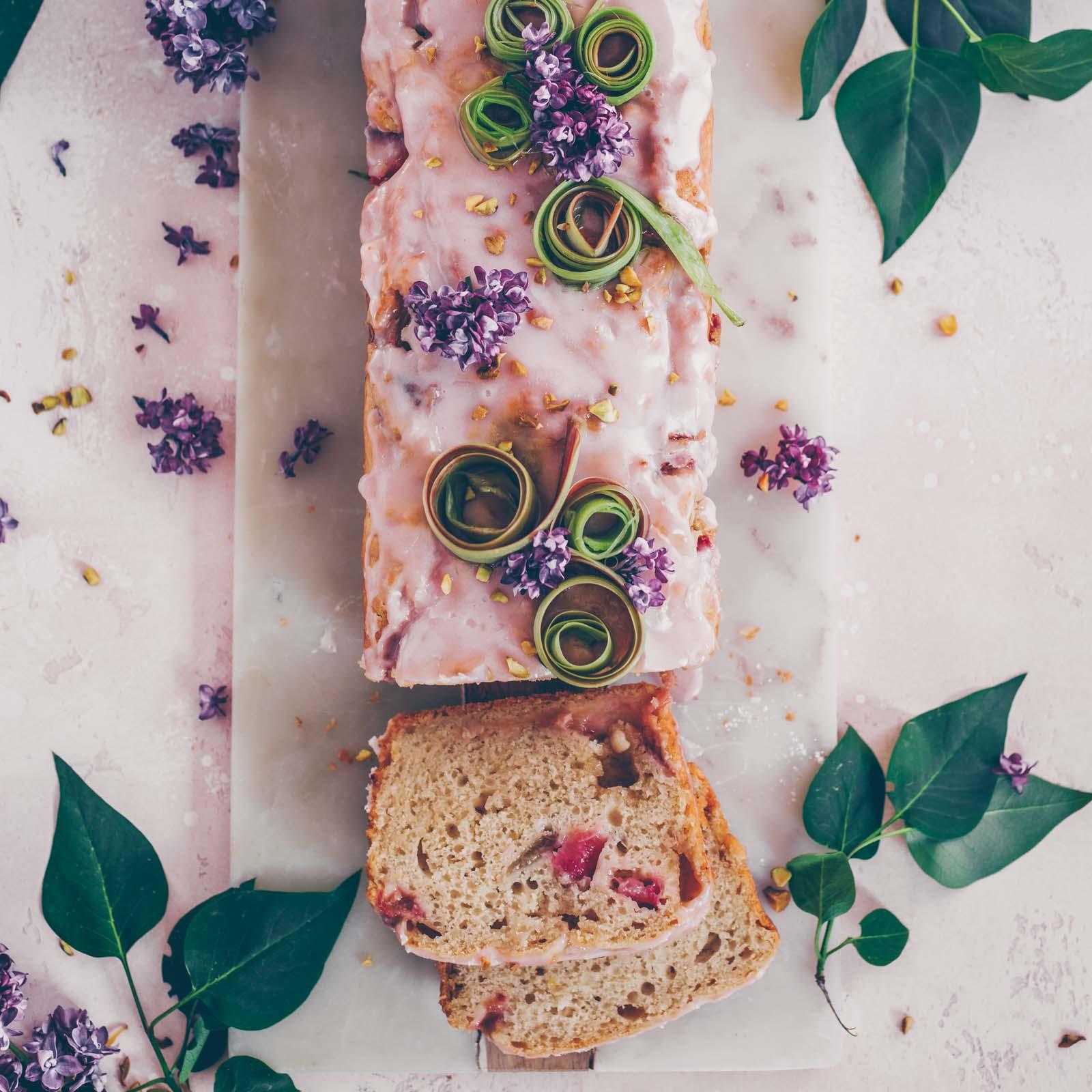 Veganer Rhabarber-Joghurt Kuchen
