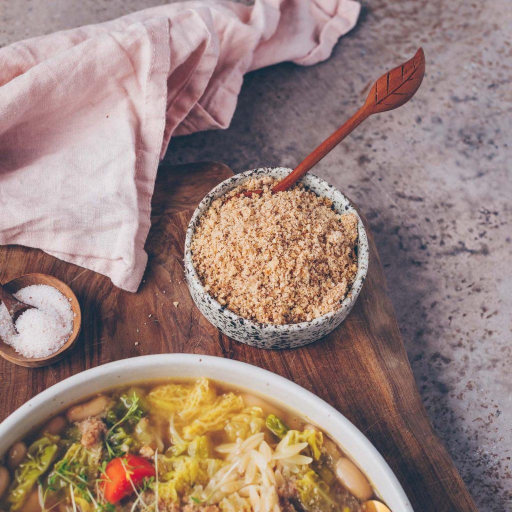 Minestrone mit Wirsing und weissen Bohnen